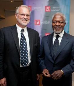 Craig Calhoun with Kofi Annan